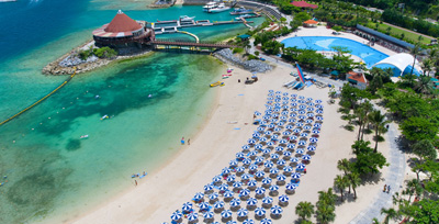 沖縄家族旅行 ルネッサンス ホテル 「ビーチ」