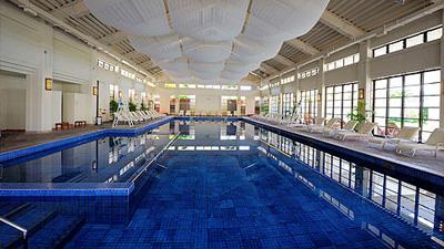 沖縄家族旅行 ブセナテラス 「屋内プール」