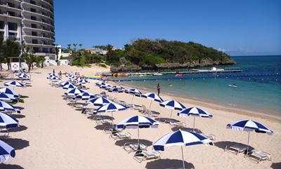 沖縄家族旅行 ホテルモントレ 「ビーチ」