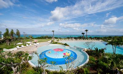 沖縄家族旅行 ホテルモントレ 「屋外プール1」
