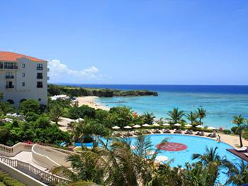 沖縄家族旅行 アリビラ 「屋外プール」