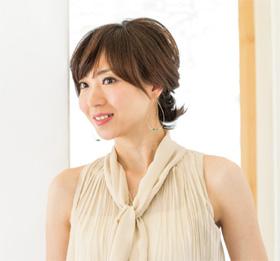 40代のまとめ髪ミディアム編01