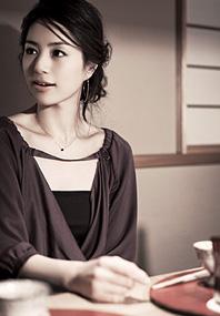 井川遥さんのまとめ髪カタログ03