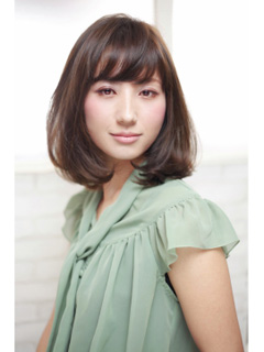 40代女性のおしゃれな髪型【ミディアム】15選!|アラフォー世代