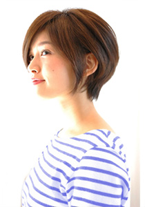 ストレート前下がりショートボブ. 40代の髪型・ヘアカタログNo.4(2017)