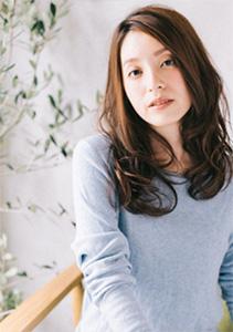 40代の髪型・ヘアカタログ「ロング」No.6(2017)