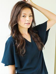 40代の髪型・ヘアカタログ「ロング」No.15(2017)