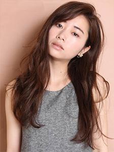 40代の髪型・ヘアカタログ「ロング」No.18(2017)
