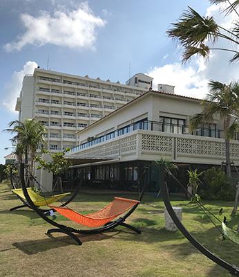シェラトン沖縄本館と新レストラン外観