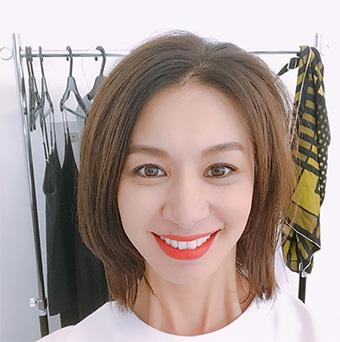 40代モデルのヘアスタイル「稲沢朋子」さん」