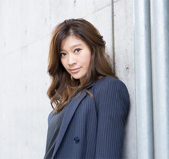 40代女優の髪型「篠原涼子」さん」01