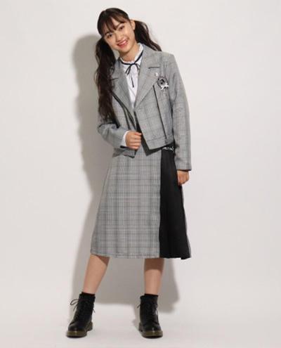「ピンクラテ」卒服コーデ ライダースジャケット